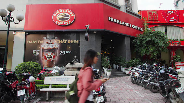 A-Highlands-coffee-shop-in-Hanoi