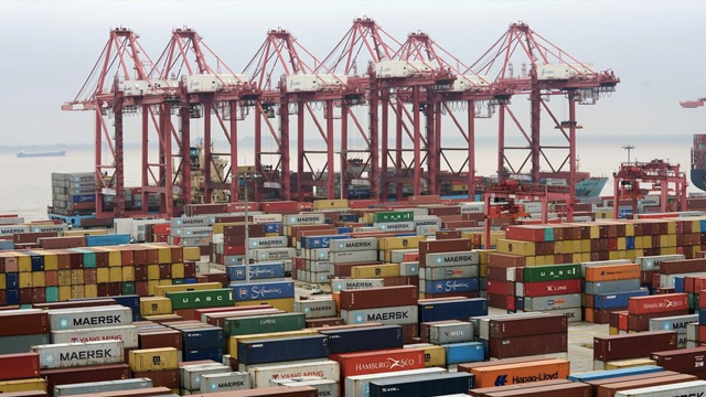 Containers-are-seen-at-the-Yangshan-Deep-Water-Port-in-Shanghai,-China-April-24,-2018.-Photo--Reuters